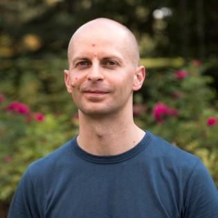 tomasz piotrowski yoga teacher